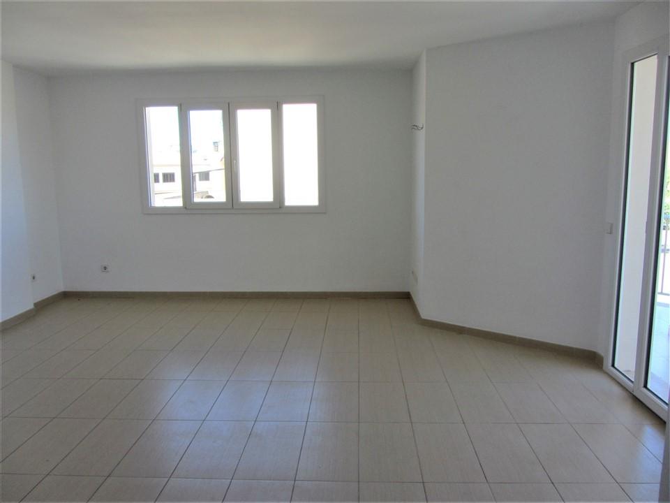 Piso dúplex en Manacor con 3 dormitorios, 3 baños, parking y trastero. REF. 2022