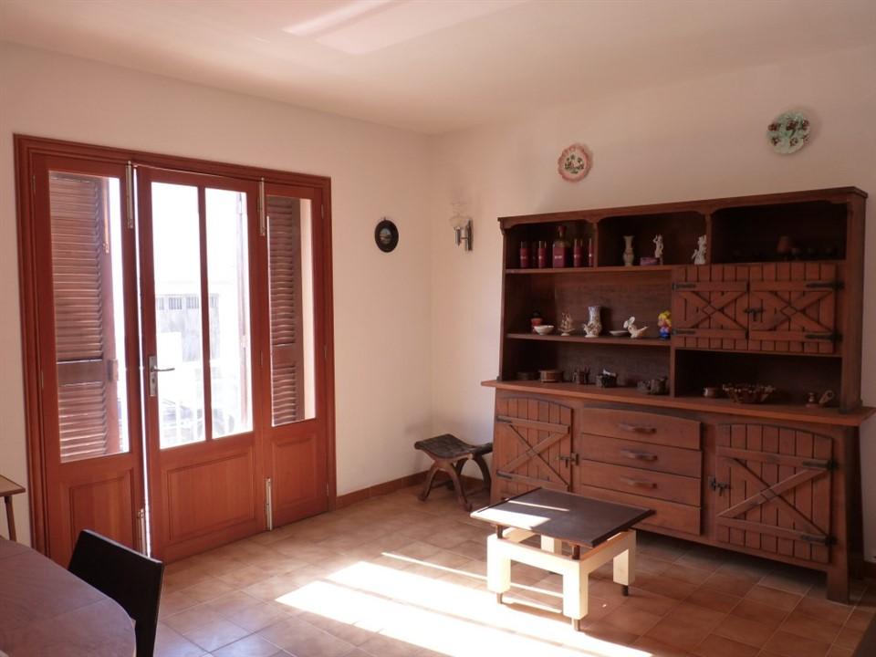 Casa de pueblo con garaje en S'Illot. REF. 5006