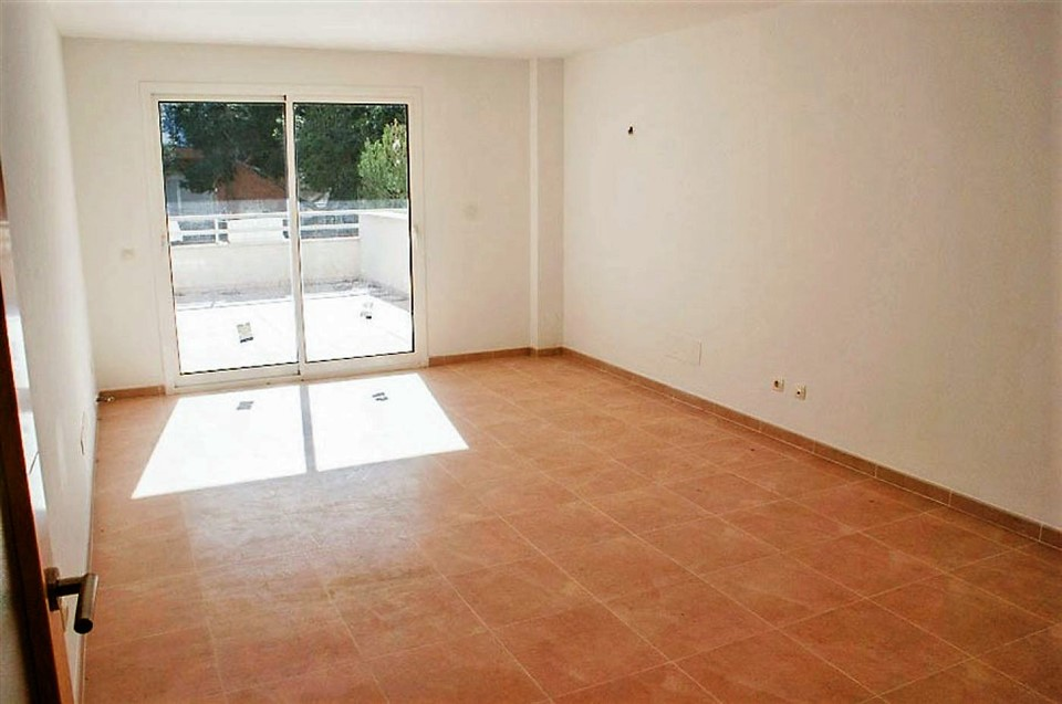 1º piso a estrenar con gran terraza en Porto Cristo. REF. 6001