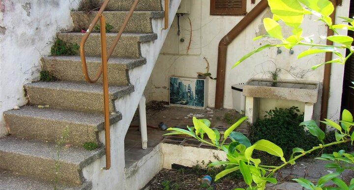 3022-21 Escalera exterior acceso a Dormitorio 1