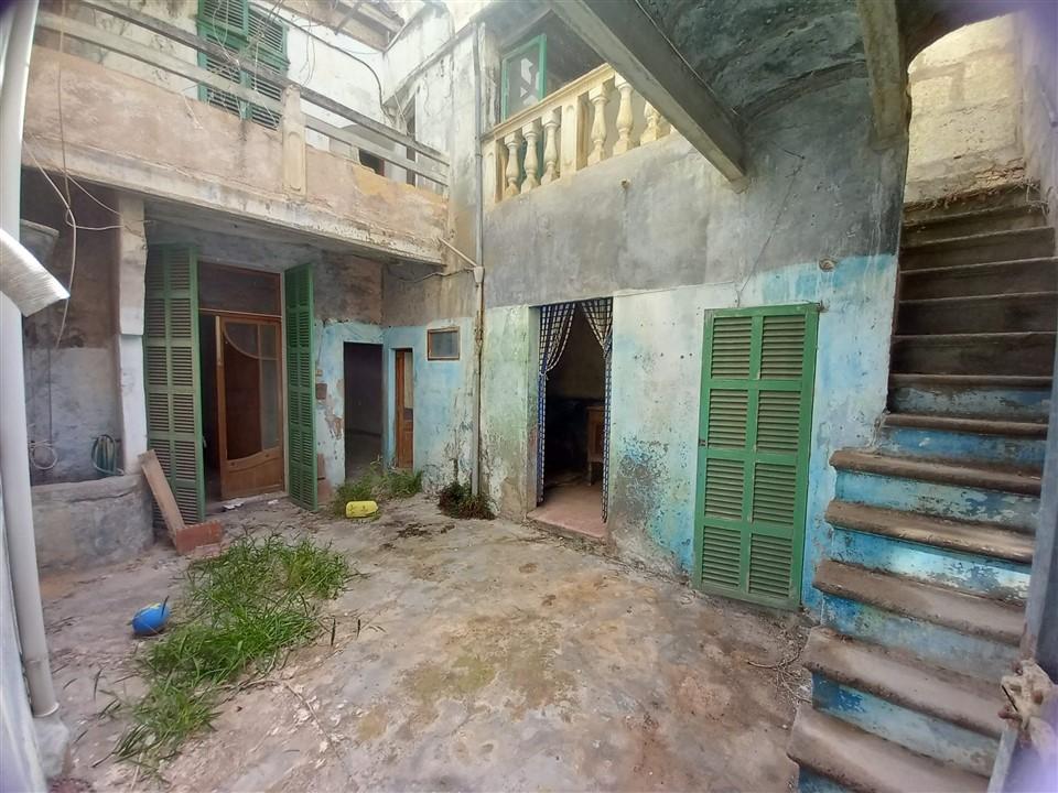 Casa entera en MANACOR, 2 viviendas. REF. 5018