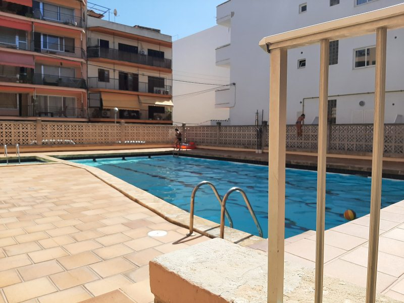 Piso con parking, trastero y piscina en EL ARENAL. Ref. 3041