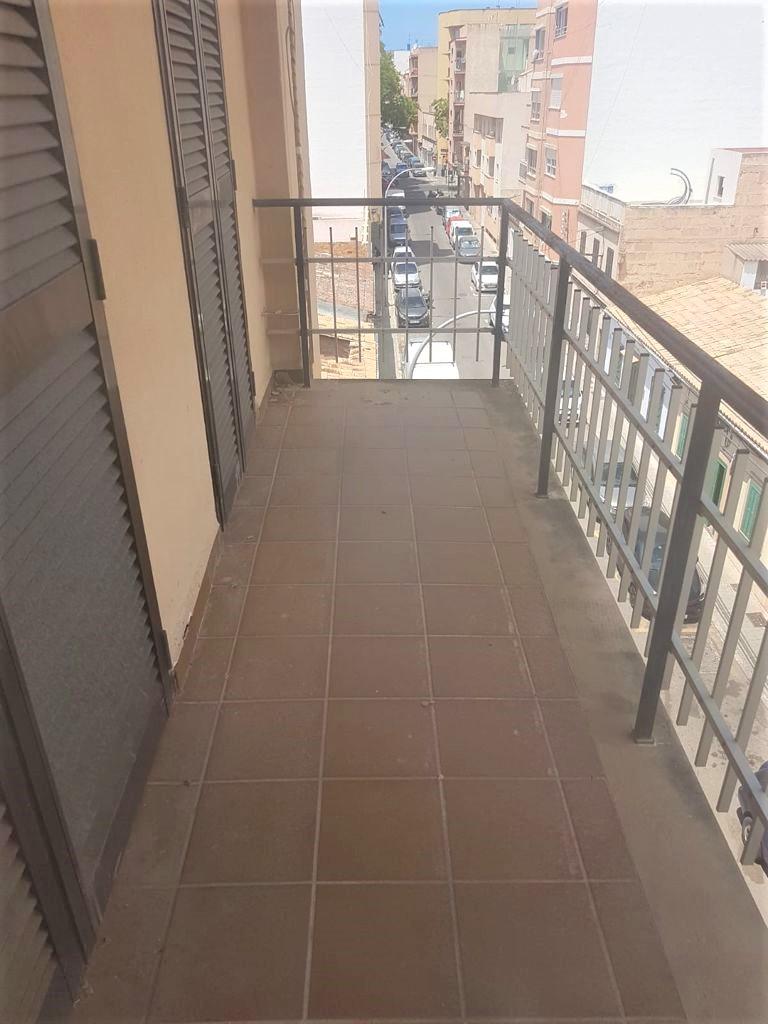 Amplísimo piso 4 dormitorios en PALMA con Financiación 100%. REF. 3042